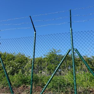 CHAIN LINK FENCING GREEN
